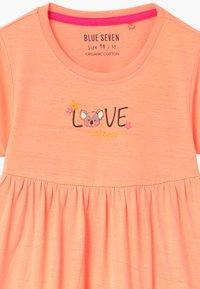 Blue Seven - SMALL GIRLS KOALA - Žerzejové šaty - flamingo - 2