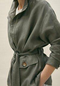 Massimo Dutti - Summer jacket - khaki - 4