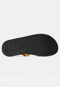 The North Face - M SKEENA SANDAL - Walking sandals - summit gold tnf black - 3