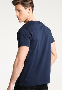 GANT - THE ORIGINAL - T-shirt - bas - navy - 2