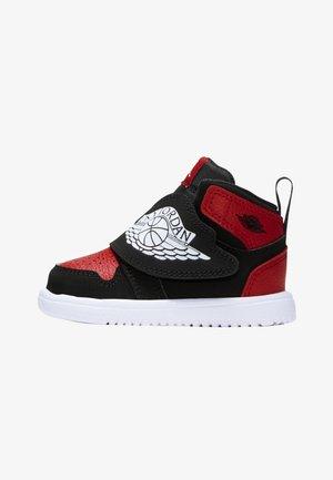 SKY 1 UNISEX - Basketbalschoenen - black/gym red/white