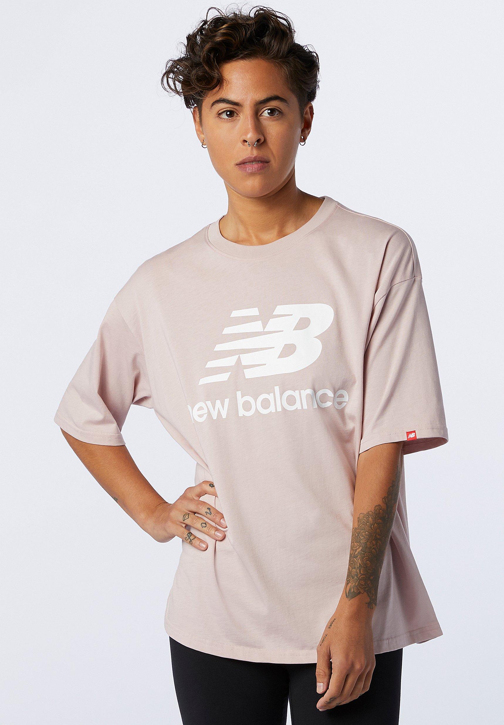 Femme ESSENTIALS STACKED LOGO TEE - T-shirt imprimé