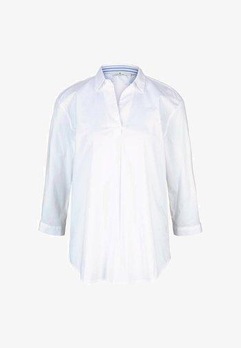 MIT KNOPFLEISTE AM RÜCKEN - Blouse - white