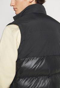 adidas Originals - REGEN VEST - Waistcoat - black - 4