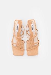 NA-KD - T-bar sandals - beige - 5
