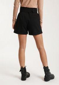 Pimkie - MIT GÜRTEL - Shorts - black - 2
