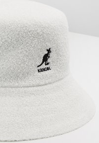 Kangol - BERMUDA BUCKET - Sombrero - white - 6