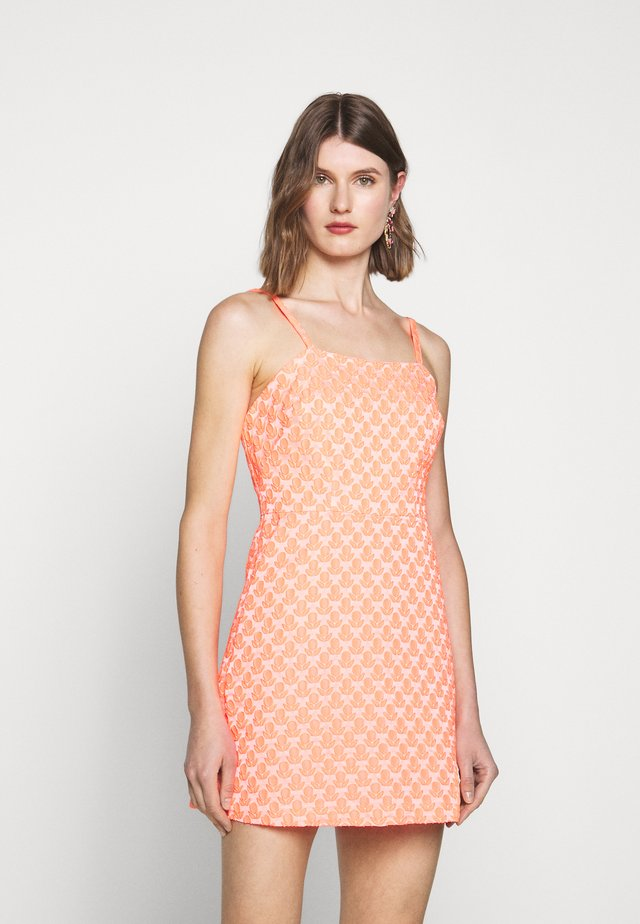 CLOQUE BERNADENE DRESS - Korte jurk - neon melon