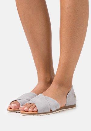 CHIUSI - Sandalias - light grey