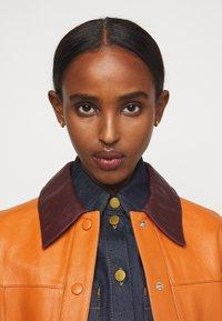 Victoria Victoria Beckham - PANNEL JACKET - Leather jacket - congac brown - 3