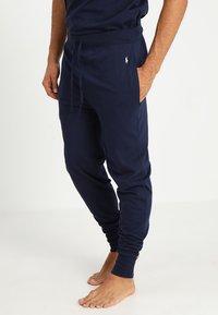 Polo Ralph Lauren - BOTTOM - Pyjama bottoms - cruise navy - 0