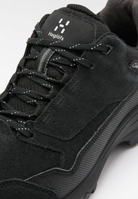 Haglöfs - SKUTA LOW  - Hiking shoes - true black - 5