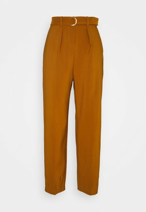 D-RING WAIST TROUSERS - Pantalones - rust