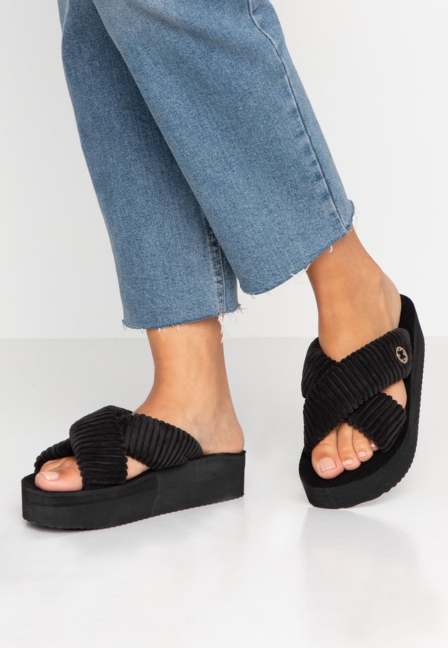 CROSS - Sandalias planas - black