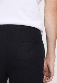Bruuns Bazaar - CLEMENT CLARK PANT - Trousers - navy - 4
