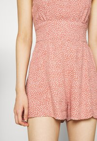 Abercrombie & Fitch - FRONT RUCHED ROMPER  - Mono - red dot - 5