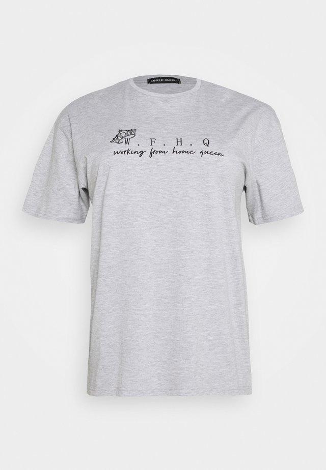 SLOGAN T-SHIRT - Print T-shirt - grey