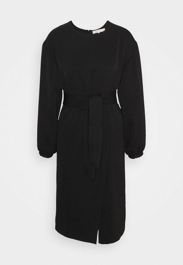 PAQUITA - Robe d'été - noir
