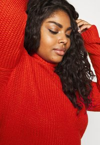 CAPSULE by Simply Be - ROLL NECK - Jumper - red - 3