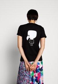 KARL LAGERFELD - IKONIK - T-Shirt print - black - 2