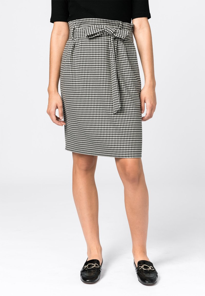 HALLHUBER - Pencil skirt - schwarz
