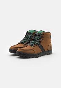 DC Shoes - WOODLAND - Šněrovací kotníkové boty - dark brown - 1