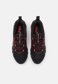 ASICS - GEL-QUANTUM 180 - Chaussures de running neutres - black/classic red - 3