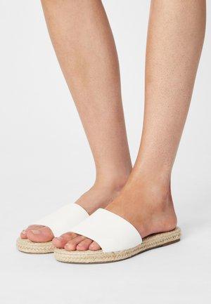 IGGY SLIDE - Sandaler - white
