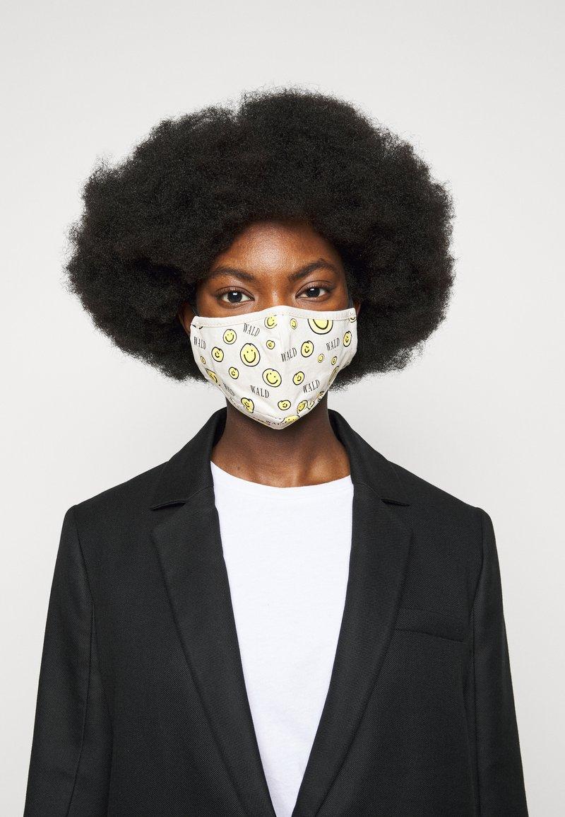 WALD - ALL OVER MASK - Masque en tissu - white
