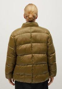 Violeta by Mango - MIT SEITLICHEN ZIPPERN - Winter jacket - mittelbraun - 2