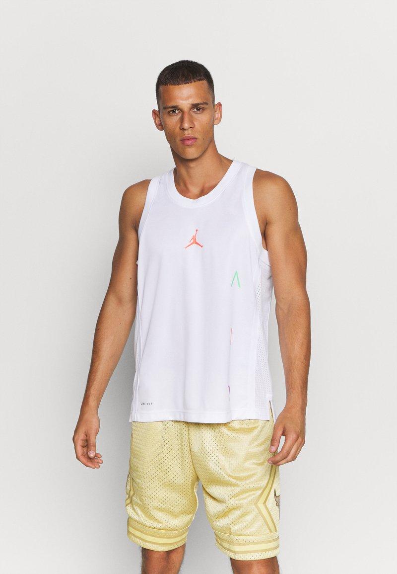 Jordan - AIR  - Sports shirt - white/infrared