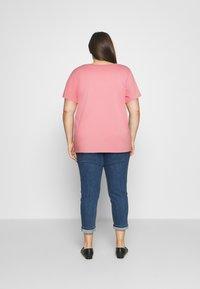 Levi's® Plus - PERFECT TEE - Print T-shirt - batwing photo fill peony - 2