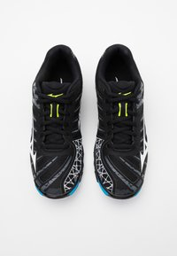 Mizuno - WAVE VOLTAGE - Volleyballsko - black/white - 3