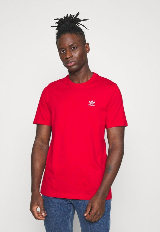 ESSENTIAL TEE - T-paita - scarlet