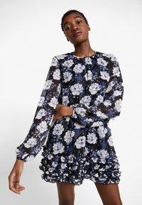 Stevie May - NIGHT TRAIN MINI DRESS - Denní šaty - dark blue - 4