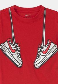 Nike Sportswear - SET - Triko spotiskem - black - 3