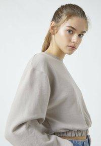 PULL&BEAR - Sweatshirt - mottled beige - 2