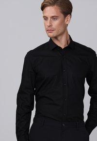 Basics and More - Camicia elegante - black - 3