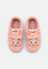 Puma - SMASH V2 SUMMER ANIMALS - Sneakers laag - apricot blush/tigerlily - 3