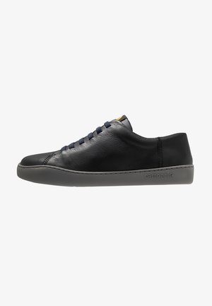 PEU TOURING - Mocasines - black
