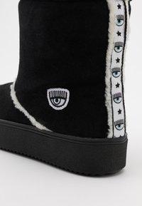 CHIARA FERRAGNI - BOOT - Classic ankle boots - black - 4