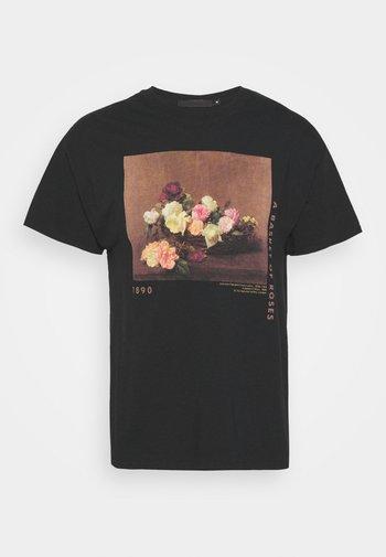 ROSEBOWL BASKET OF ROSES - Print T-shirt - washed black