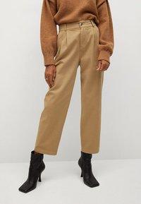 Mango - RELAX - Pantalon classique - sand - 0
