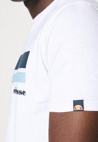 Ellesse - RIAN - Print T-shirt - white - 3