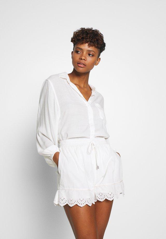 CORE BISHOP SOLID - Koszula - white