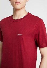 Calvin Klein - CHEST LOGO - Basic T-shirt - red - 5