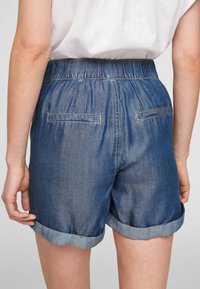 QS by s.Oliver - Jeansshort - medium blue - 3