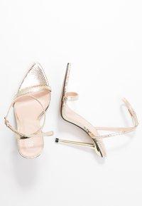 BEBO - AIVY - Sandaler med høye hæler - gold metallic - 3