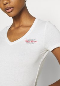 Pepe Jeans - Basic T-shirt - off white - 5
