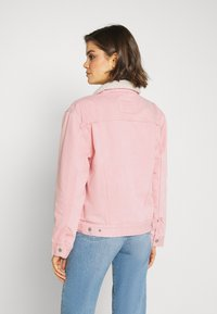 Levi's® - TRUCKER - Denim jacket - chalky blush - 2